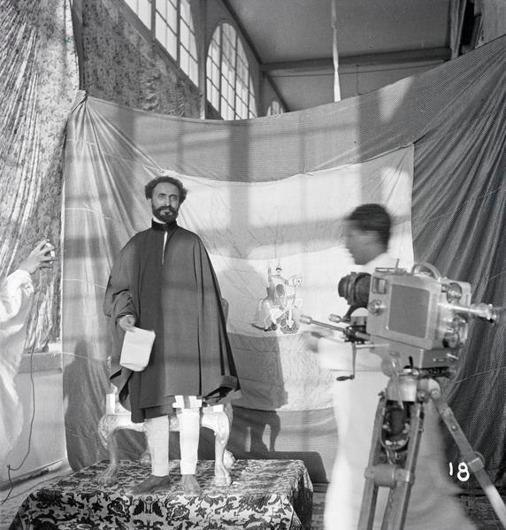 Der Schweizer Flugpionier Walter Mittelholzer hatte den äthiopischen Kaiser Haile Selassie 1934 in Addis Abeba fotografiert und gefilmt. https://commons.wikimedia.org/wiki/File:ETH-BIB-Kaiser_Haile_Selassie,_Addis_Abeba-Abessinienflug_1934-LBS_MH02-22-0395.tif